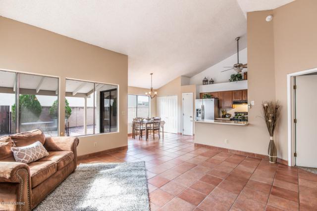 7510 E Harbor Drive, Tucson, AZ 85715 (#21825825) :: Luxury Group - Realty Executives Tucson Elite