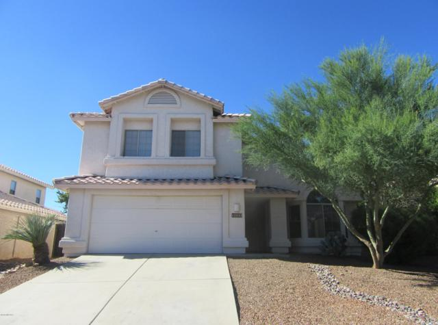 11143 N Divot Drive, Oro Valley, AZ 85737 (#21826954) :: Keller Williams