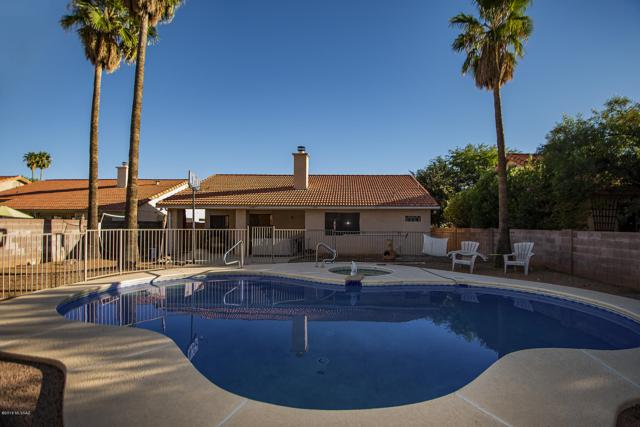 8411 E Heath Court, Tucson, AZ 85715 (#21827460) :: The Josh Berkley Team