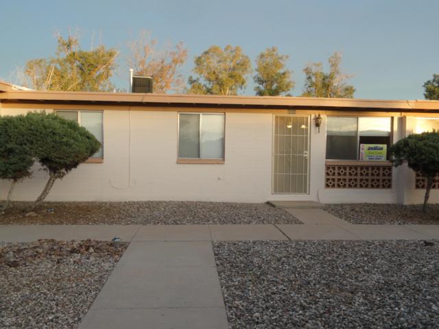 4005 S Queen Palm Drive, Tucson, AZ 85730 (#21827717) :: The KMS Team