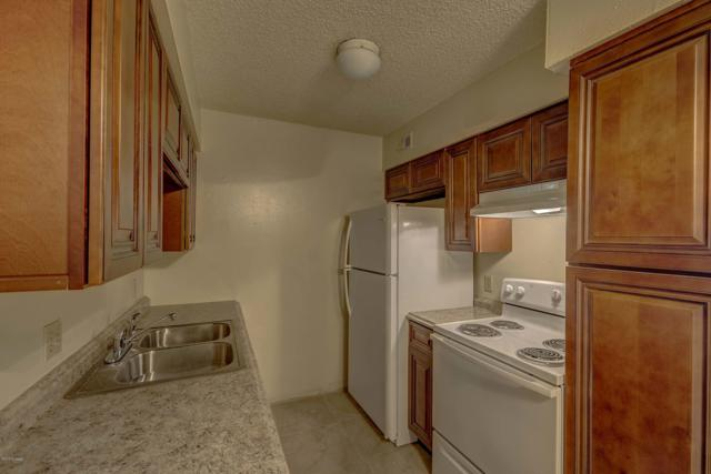 451 W Yucca Court #215, Tucson, AZ 85704 (#21827995) :: Long Realty - The Vallee Gold Team