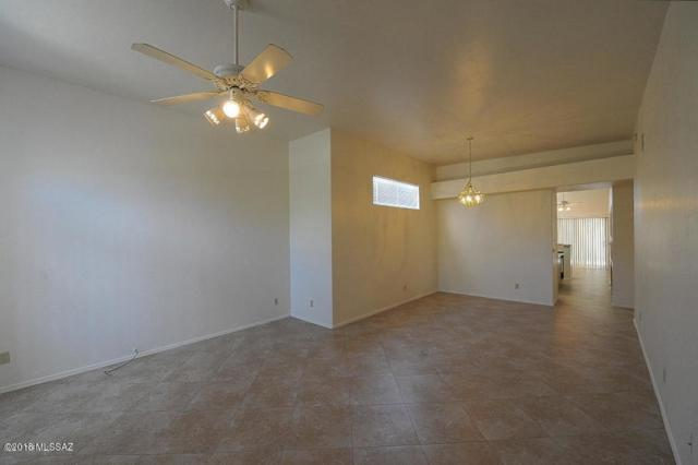 6743 N Calle Sin Nombre, Tucson, AZ 85718 (#21828002) :: The Local Real Estate Group | Realty Executives