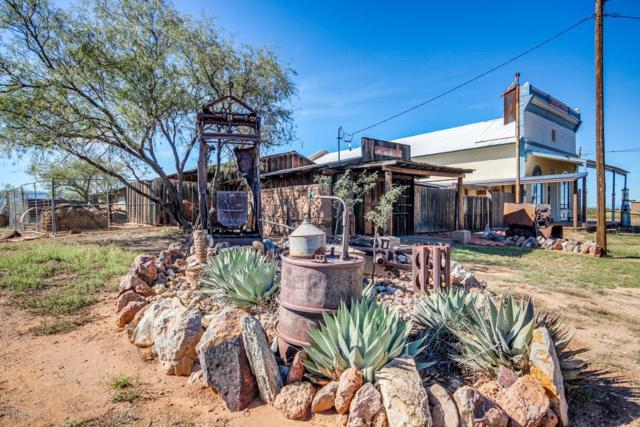905 S Ghost Town Trail, Pearce, AZ 85625 (#21829140) :: The Local Real Estate Group | Realty Executives