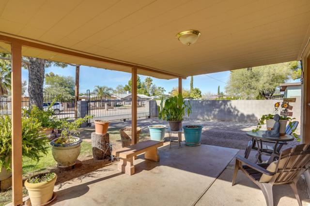 6741 S Melody Avenue, Tucson, AZ 85756 (#21831081) :: Long Realty Company