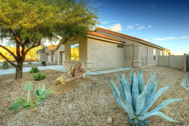 1620 N Rio Bonito, Green Valley, AZ 85614 (#21832290) :: Gateway Partners at Realty Executives Tucson Elite