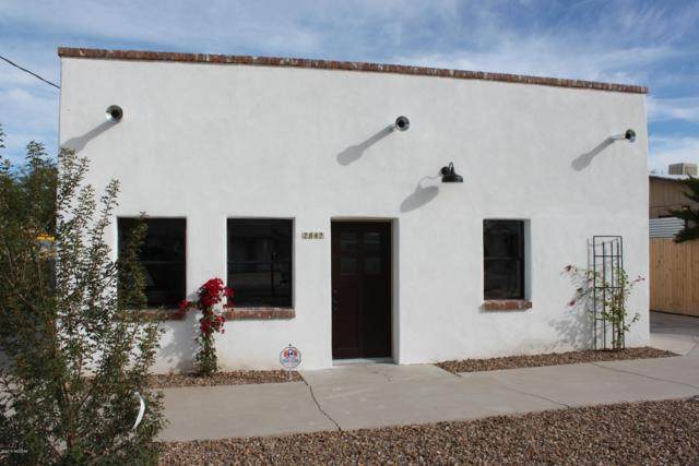 2842 N Woodland Avenue, Tucson, AZ 85712 (#21832510) :: The Josh Berkley Team