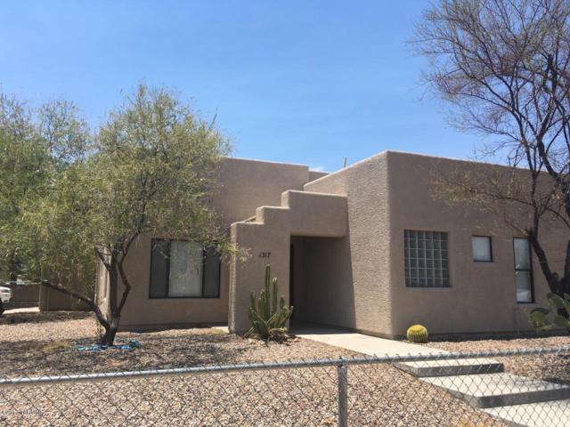 1317 N Howard Boulevard, Tucson, AZ 85716 (#21832605) :: The KMS Team