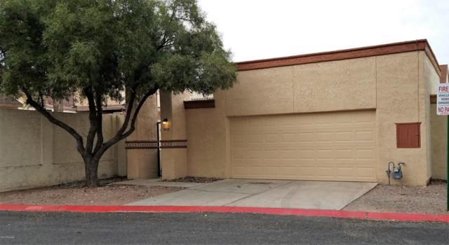 3418 W Camino De Amigos, Tucson, AZ 85746 (#21832871) :: RJ Homes Team