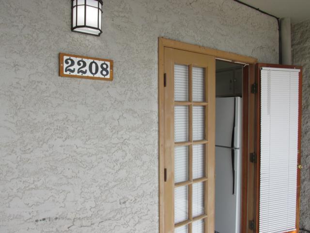 7777 E Golf Links Road #2208, Tucson, AZ 85730 (#21901180) :: The Josh Berkley Team