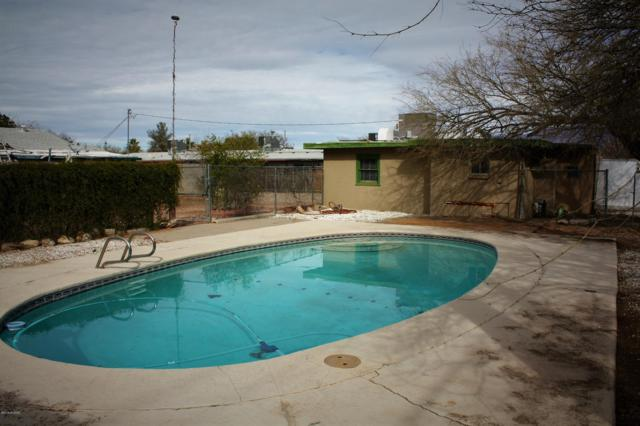 2136 N Madelyn Avenue, Tucson, AZ 85712 (#21903559) :: Long Realty - The Vallee Gold Team
