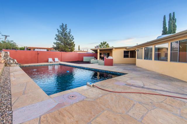 5801 E 15th Street, Tucson, AZ 85711 (#21904245) :: Long Realty Company
