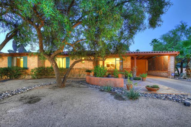 2402 E 8Th Street, Tucson, AZ 85719 (#21904856) :: Long Realty Company