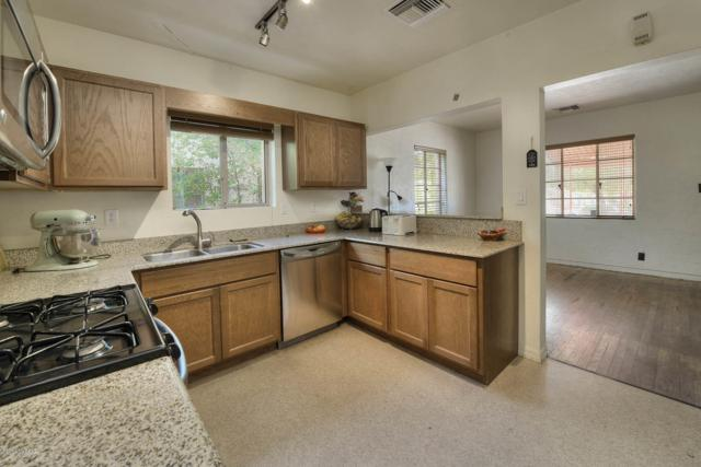 1515 E 12th Street, Tucson, AZ 85719 (#21905010) :: Long Realty - The Vallee Gold Team