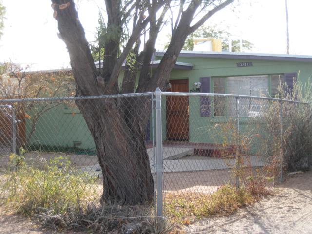 3238 E 1st Street, Tucson, AZ 85716 (#21907229) :: Long Realty - The Vallee Gold Team