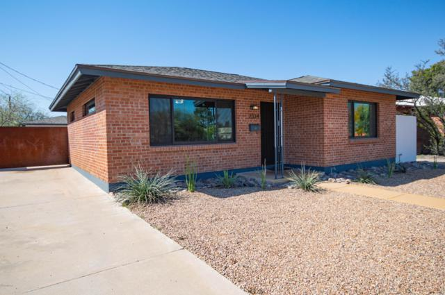 2334 E Mabel Street, Tucson, AZ 85719 (#21908953) :: Long Realty - The Vallee Gold Team