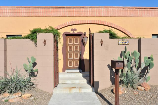 1200 N Wilson Avenue, Tucson, AZ 85719 (#21910128) :: Long Realty - The Vallee Gold Team
