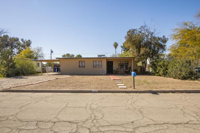 2207 N Marion Boulevard, Tucson, AZ 85712 (#21910964) :: Long Realty - The Vallee Gold Team
