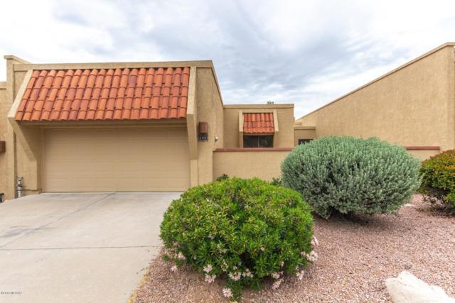 1111 E Camino Diestro, Oro Valley, AZ 85704 (#21911675) :: Keller Williams