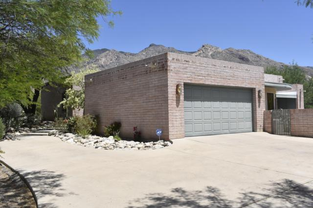 6550 N Longfellow Drive, Tucson, AZ 85718 (#21912331) :: Long Realty - The Vallee Gold Team