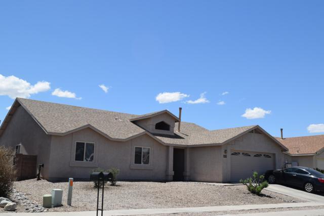 8076 E Blindweed Drive, Tucson, AZ 85710 (#21912918) :: The Josh Berkley Team