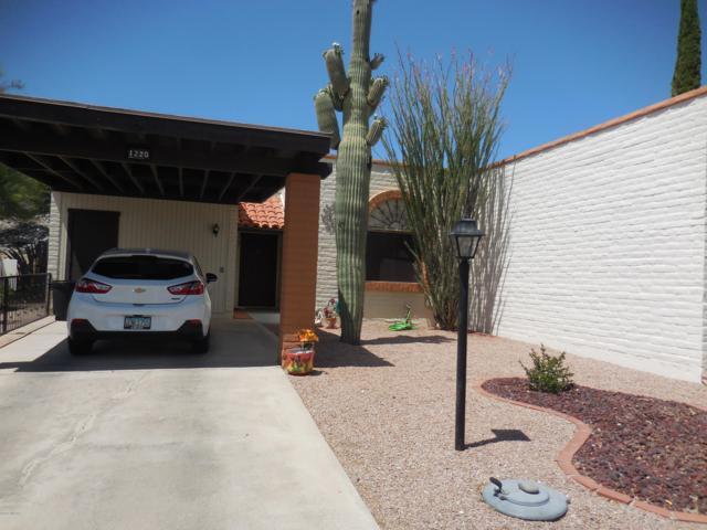 1220 W Calle Alacazar, Green Valley, AZ 85622 (#21915082) :: The Local Real Estate Group | Realty Executives