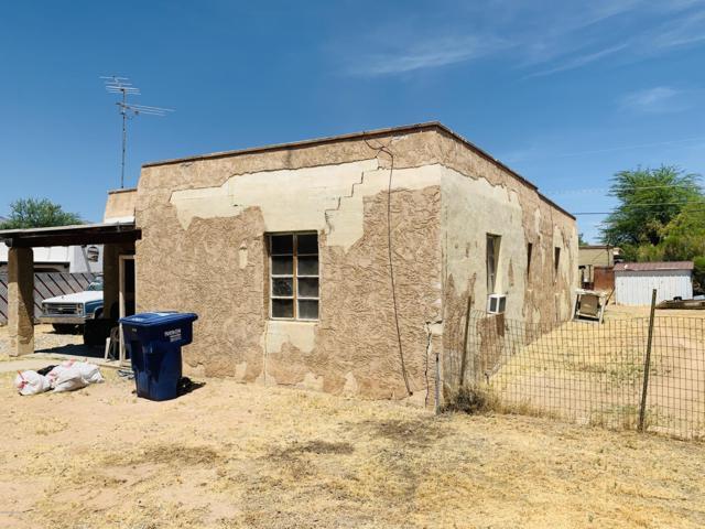 2712 N Columbus Boulevard, Tucson, AZ 85712 (#21916931) :: Long Realty - The Vallee Gold Team
