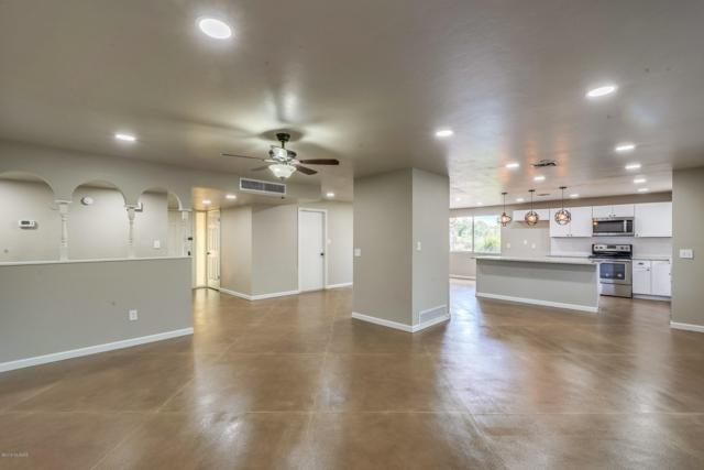 2101 S Palm Springs Drive, Tucson, AZ 85710 (#21919665) :: Long Realty Company