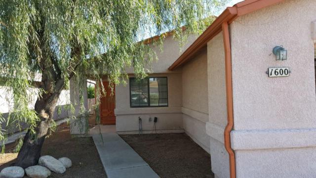 1600 W Wood Crest Court, Tucson, AZ 85746 (#21921150) :: Long Realty Company