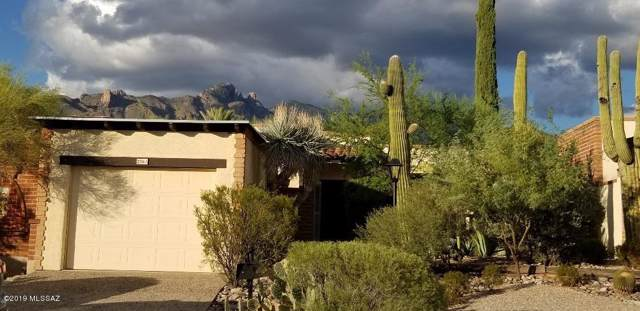 2561 E Cerrada Adelita, Tucson, AZ 85718 (#21923911) :: Tucson Property Executives