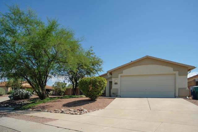 2338 W Horseshoe Place, Tucson, AZ 85745 (#21924124) :: Long Realty - The Vallee Gold Team