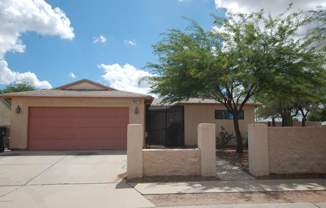 1747 W Greenleaf Drive, Tucson, AZ 85746 (#21925113) :: Luxury Group - Realty Executives Tucson Elite
