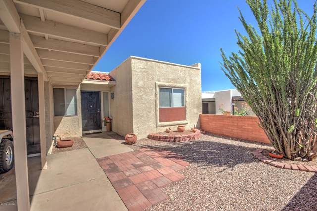 1430 N Rio Sonora, Green Valley, AZ 85614 (#21926386) :: Long Realty - The Vallee Gold Team