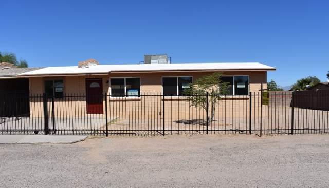 2852 W Shy Lane, Tucson, AZ 85746 (#21926478) :: Long Realty - The Vallee Gold Team