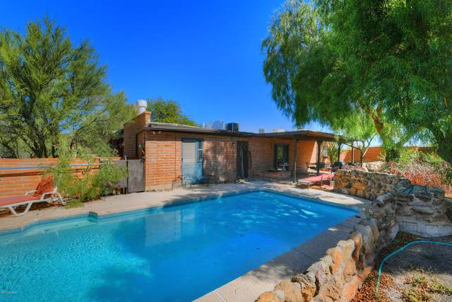 3925 W Mossman Road, Tucson, AZ 85746 (#21926787) :: Long Realty - The Vallee Gold Team