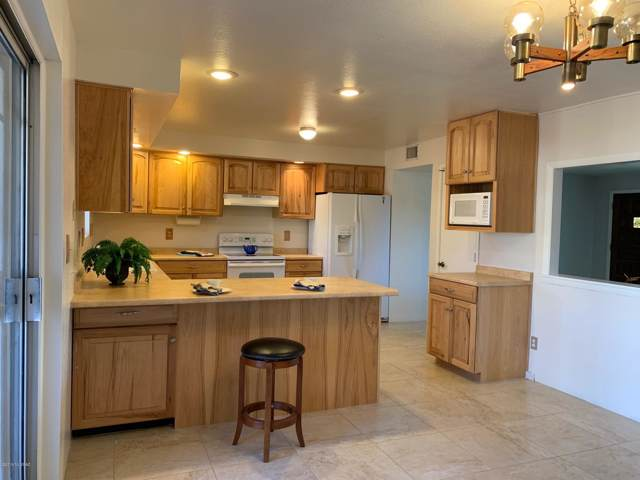242 W Calle Nogal, Green Valley, AZ 85614 (#21926903) :: Long Realty - The Vallee Gold Team