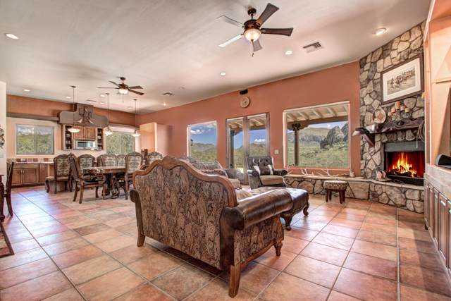 21 Via Suerte, Rio Rico, AZ 85648 (#21927150) :: Tucson Property Executives