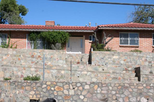 244 W Ellis Street, Nogales, AZ 85621 (#21928534) :: Long Realty - The Vallee Gold Team
