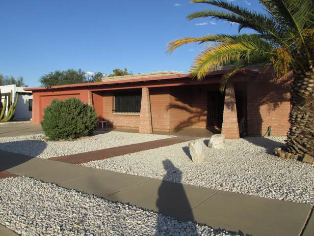 1212 N La Canoa, Green Valley, AZ 85614 (#21928592) :: Long Realty - The Vallee Gold Team