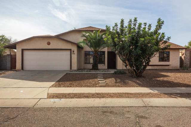 1761 W Mountain Oak Lane, Tucson, AZ 85746 (#21928991) :: Long Realty Company