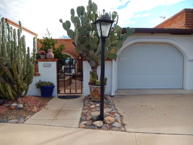 378 W Paseo Solana, Green Valley, AZ 85614 (#21930846) :: Long Realty - The Vallee Gold Team