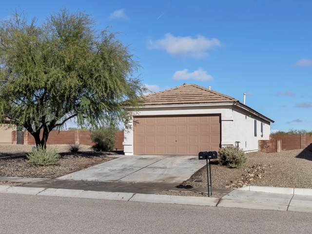 696 W Echo Mesa Drive, Green Valley, AZ 85614 (#21930882) :: Long Realty - The Vallee Gold Team