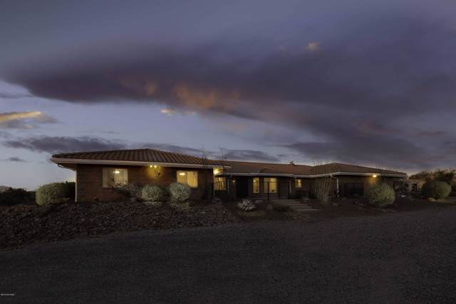 4700 W Flying Diamond Drive, Tucson, AZ 85742 (#21931427) :: Long Realty Company