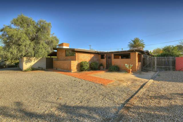 6950 E Acoma Place, Tucson, AZ 85715 (#21931534) :: Long Realty - The Vallee Gold Team