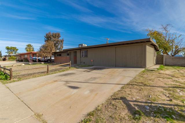 6402 N Camino De La Tierra, Tucson, AZ 85741 (#22000862) :: Long Realty - The Vallee Gold Team