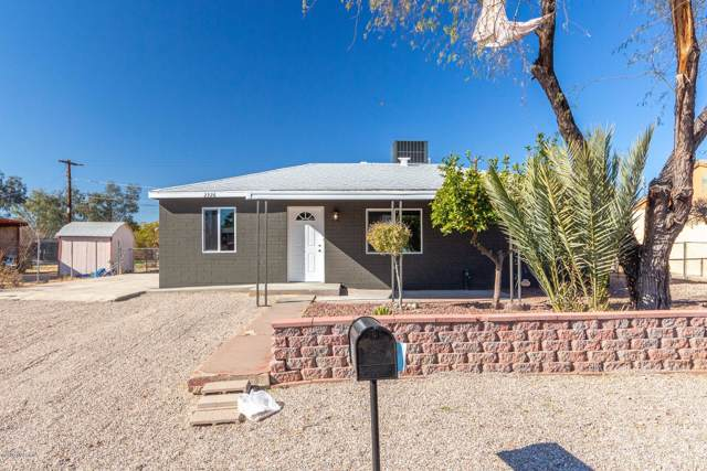 2326 S Kelvin Stravenue, Tucson, AZ 85713 (#22001407) :: Long Realty - The Vallee Gold Team