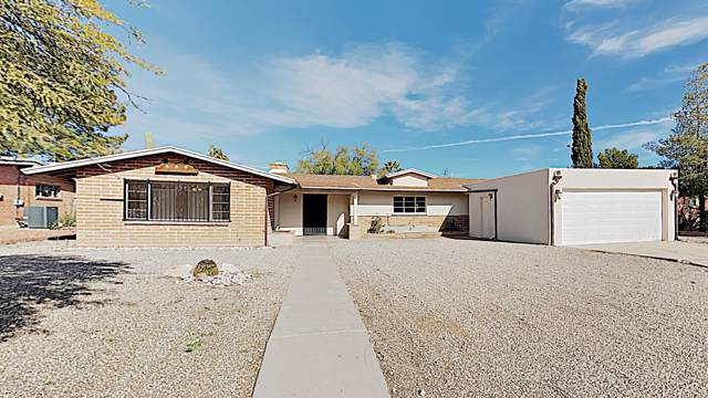 5749 E 9Th Street, Tucson, AZ 85711 (#22001494) :: Long Realty - The Vallee Gold Team