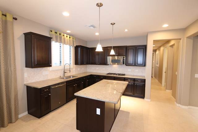 436 E Channel View Place, Oro Valley, AZ 85737 (#22001633) :: Long Realty - The Vallee Gold Team