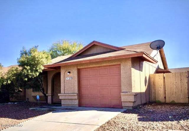 1695 W Cochran Street, Tucson, AZ 85746 (#22001922) :: Long Realty - The Vallee Gold Team