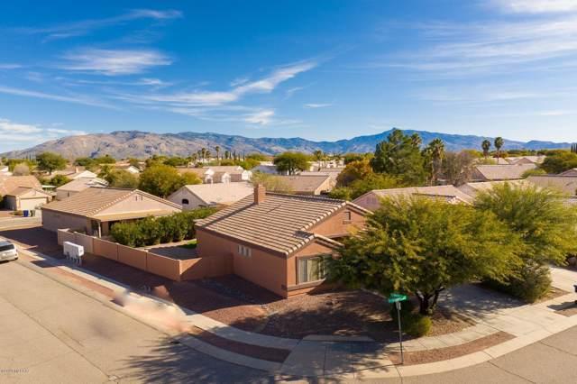 9747 Via De Sisneroz, Tucson, AZ 85747 (#22001982) :: Long Realty - The Vallee Gold Team