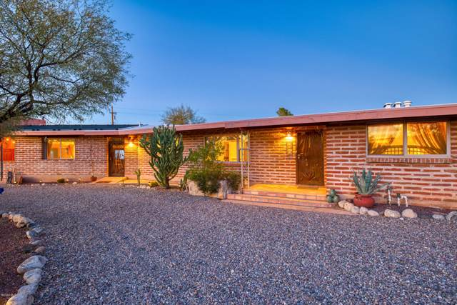 7000 N Maria Place, Tucson, AZ 85704 (#22002076) :: Long Realty - The Vallee Gold Team
